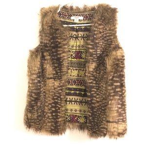 Mossimo faux fur vest